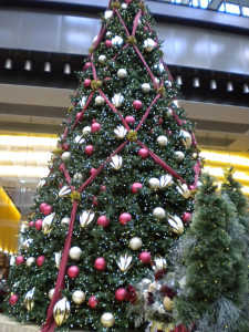 CrystalCourt Tree-1